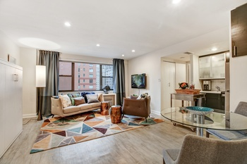 Bright Renovated Studio at Full-Service Doorman Co-op In Upper East Side!