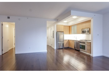 Wont Last No Fee 3 Bed/3 Bath in Battery Park City 1,711 Sq.Ft. APT