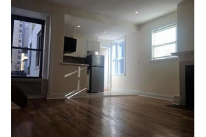 Amazing 2 Bed/1 Bath - Elevator Building - Prime Murray Hill Location - Private Terrace